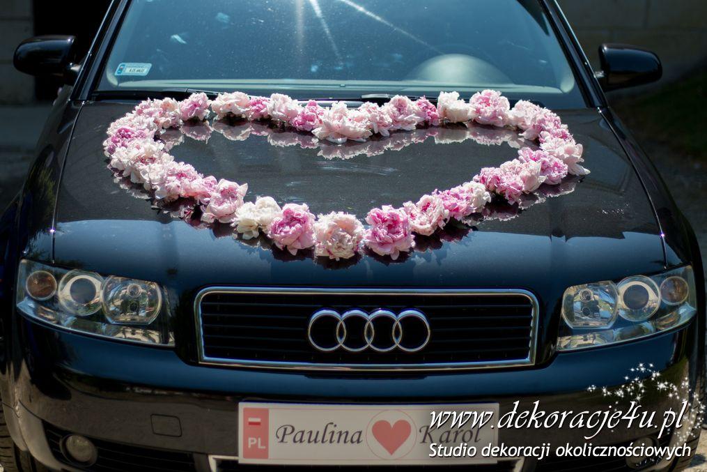 Dekoracja samochodu zywymi kwiatami